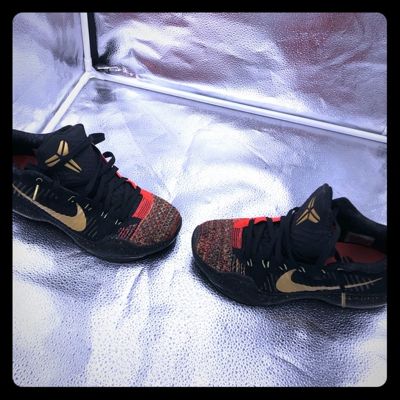 promo code 83205 7266a Authentic Used Kobe 10 Elite Low  Christmas . M 5c15ff73d6dc523a925fd091